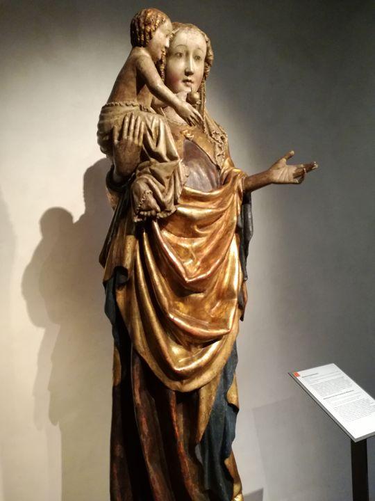 Virgin Mary - Danciatko