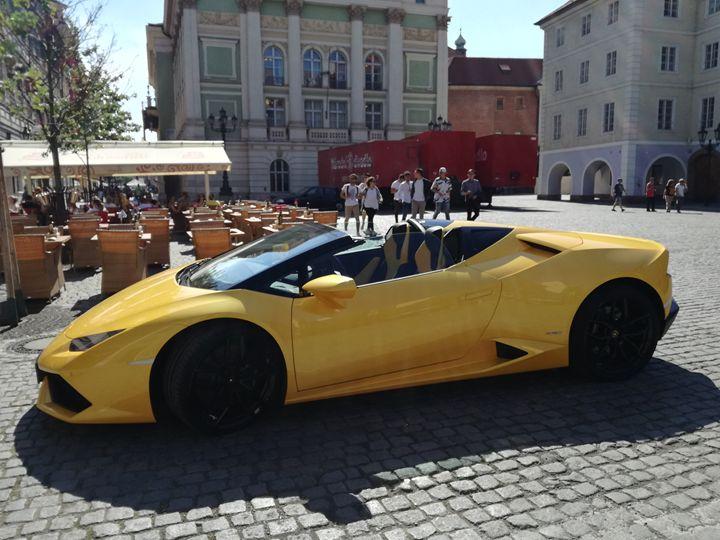 Lamborghini in town - Danciatko