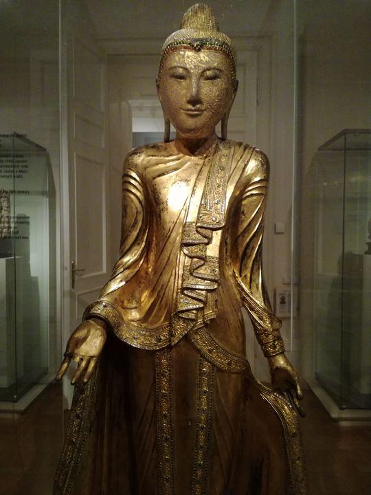 Standing Buddha - Myanmar (Burma) - Danciatko