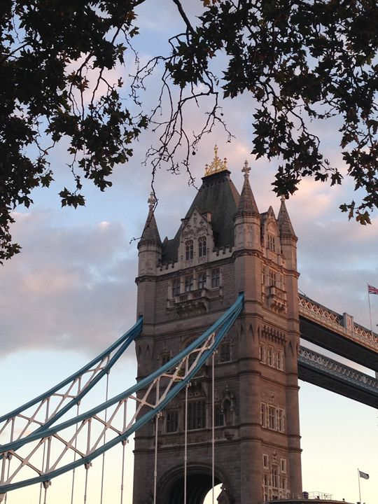 Sunset at the Tower Bridge - Zoxey