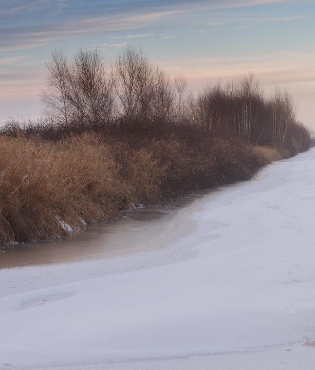 A Gentle Kiss of Winter - Alex Sol