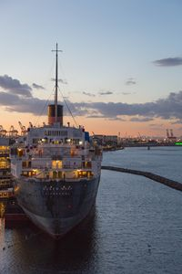 Queen Mary and Downtown Long Beach - Holly Castillo Photography
