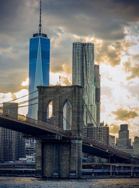 Brooklyn Bridge Sunset - Si Glogiewicz Photography