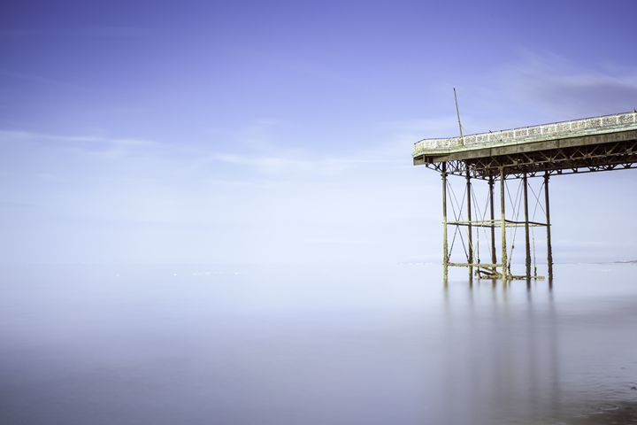 End of the Pier. - DAVID HUNTER PHOTOGRAPHY