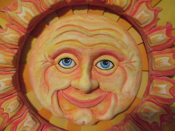 Here comes the sun - Wood carvings by lLenny