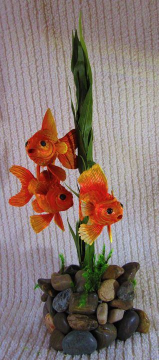 Goldfish - Wood carvings by lLenny