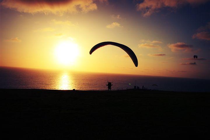Hang glider - Jlow Art