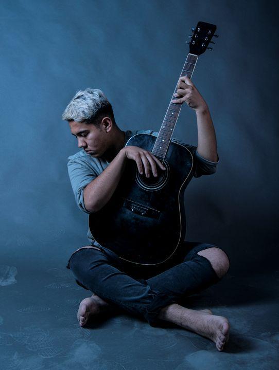Joven Guitarrista - Eimer Atzuil