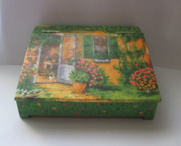 Th Hobbit House box - Alexandra Luiza Dahl