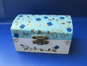 Golden Blue box - Alexandra Luiza Dahl