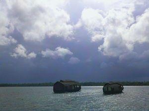 Vembanad Lake Houseboats - William Slider