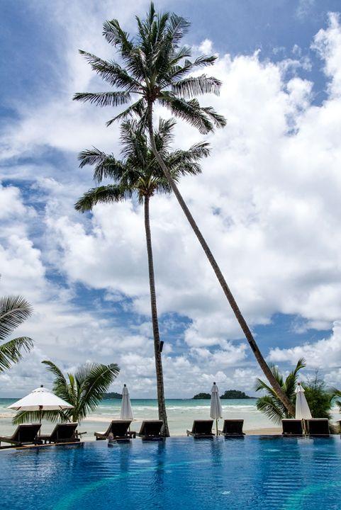 Tropical resort hotel - PhotoStock-Israel