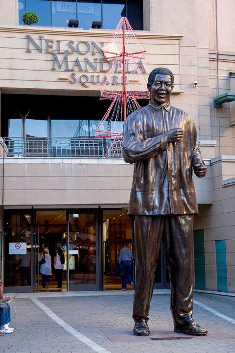 Statue of Nelson Mandela - PhotoStock-Israel