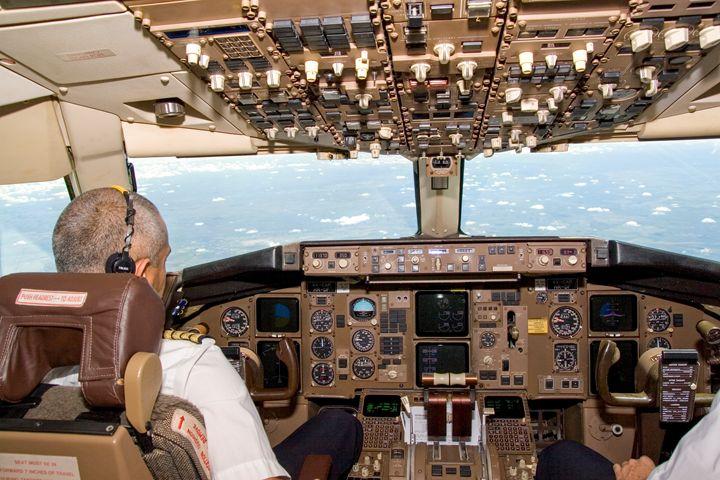 El-Al Boeing 767 cockpit - PhotoStock-Israel
