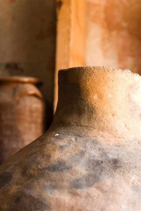 Israel, Achziv, Ancient clay pots on - PhotoStock-Israel