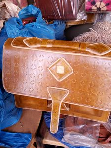 Long lasting leather bag