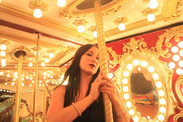 Carousel 2 - Bella Lunacy
