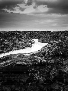 Icelandic silica stream in b/w