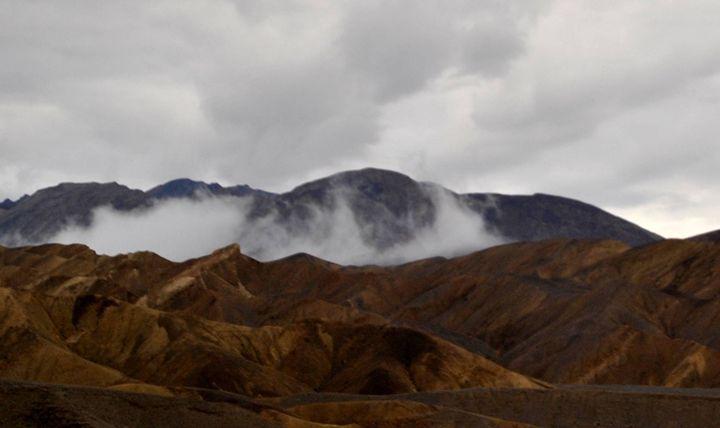 Smokey Desert - Mistyck Moon's Turmoil Of The Mind