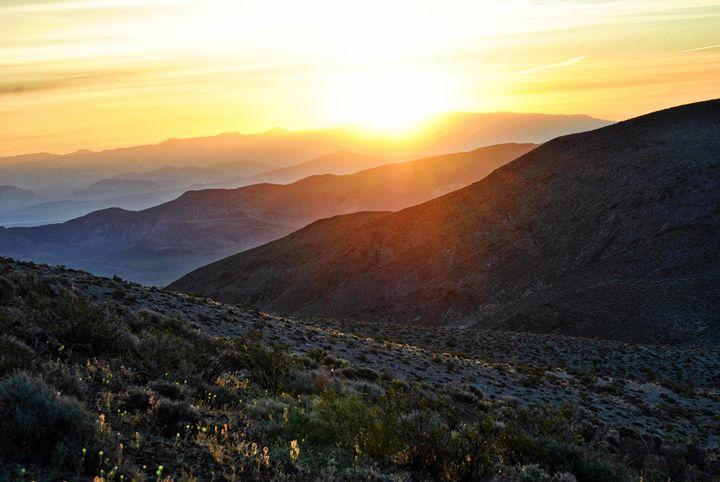 Mountain Sunrise - Mistyck Moon's Turmoil Of The Mind