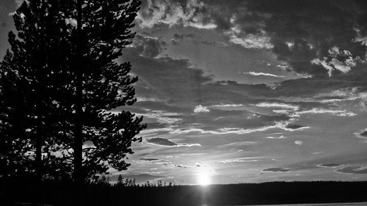 Yellowstone Lake Sunrise - Mistyck Moon's Turmoil Of The Mind