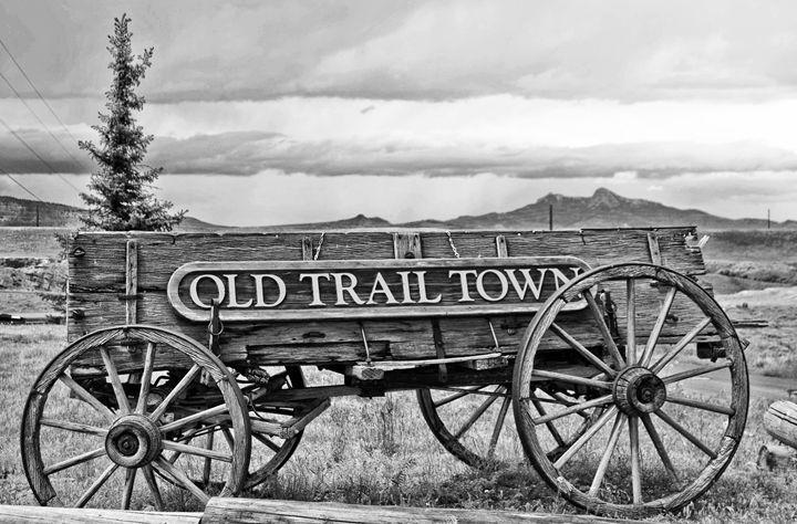 Old Trail Town Wagon - Mistyck Moon's Turmoil Of The Mind