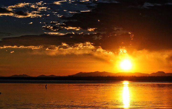 Sunrise Over Yellowstone Lake - Mistyck Moon's Turmoil Of The Mind