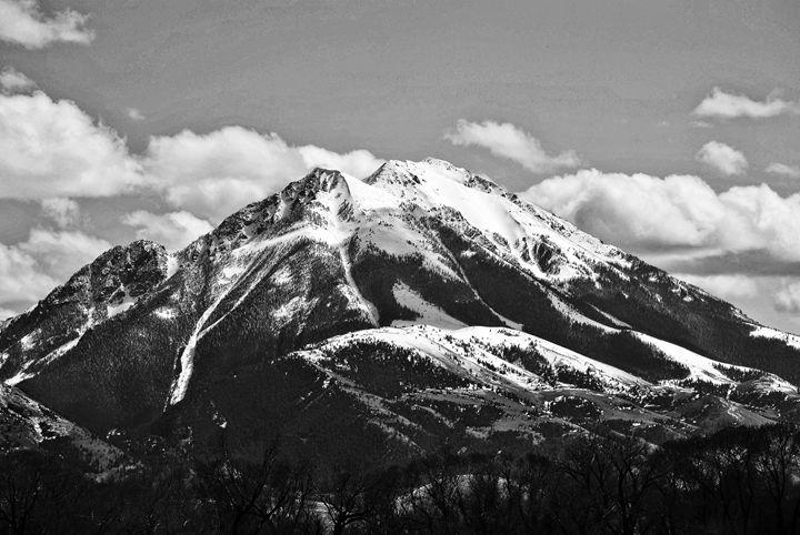 Majestic Mountain - Mistyck Moon's Turmoil Of The Mind