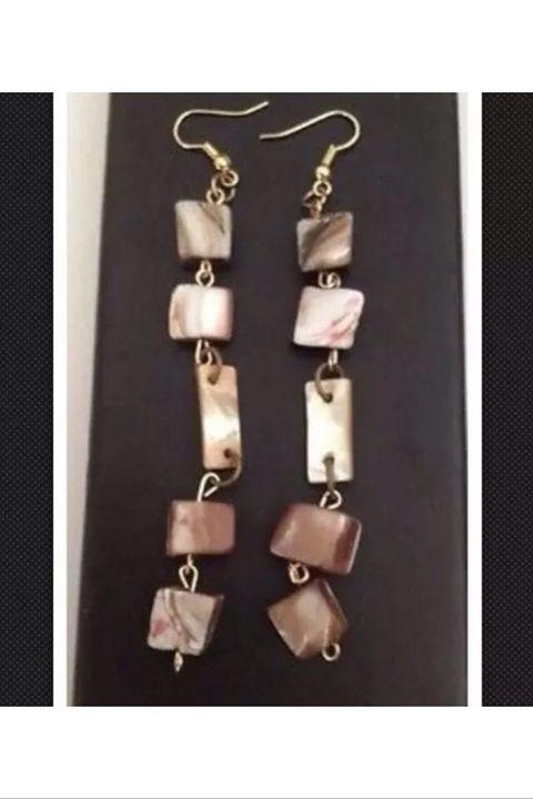 5 stone shell pierced earrings - beach decor treasures