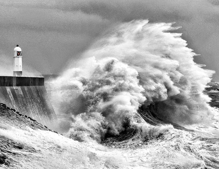 Porthcawl Storm 2 - Adrian Gaynor Photography