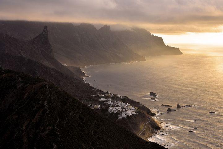Dark Coastline - Marek Stepan Photographer