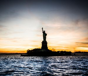 The statue at dusk - Dmitry Grab's Photography