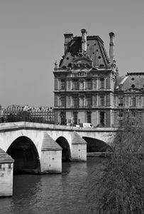Sur Paris