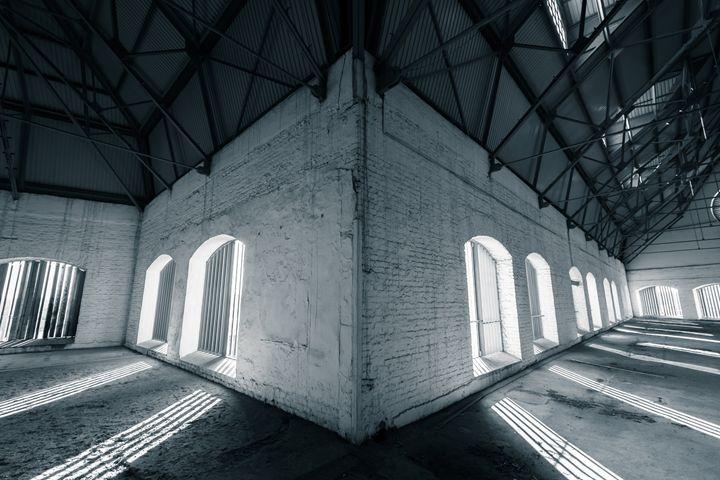 industrial interior, windows - maroti
