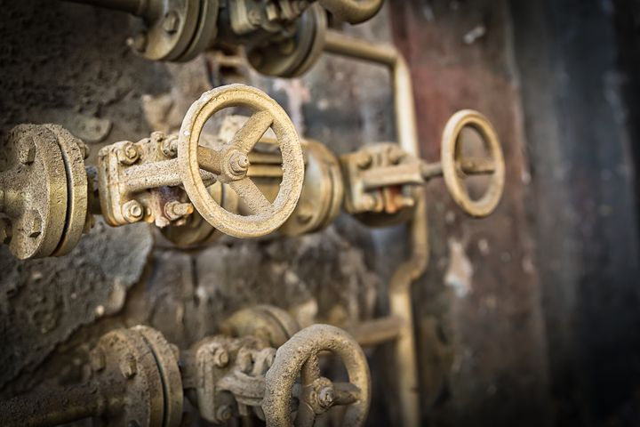 This is a closeup shot of big rusted - maroti