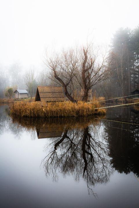 Winter landscape with a small lake, - maroti