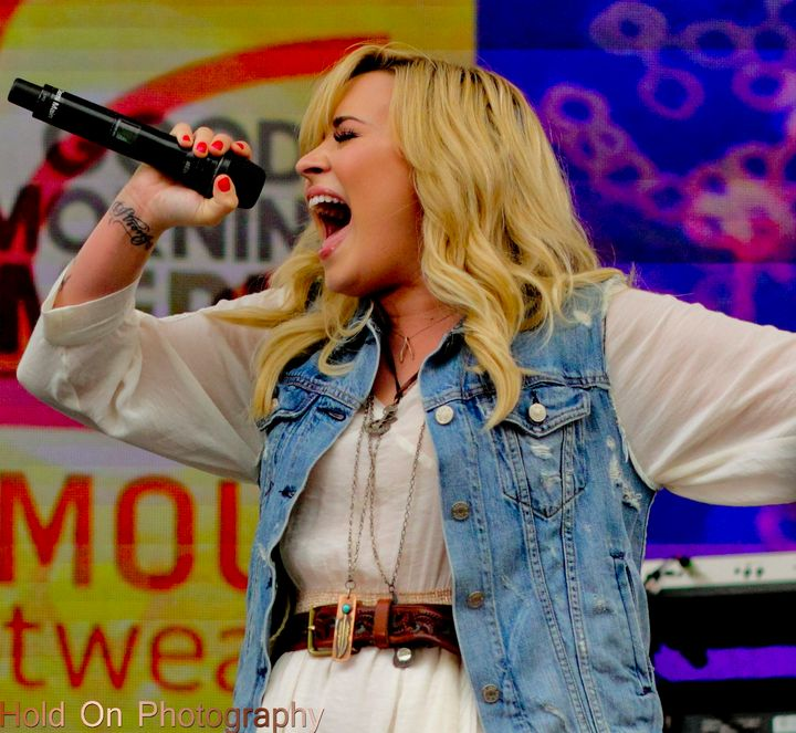 Demi Lovato on Good Morning America - Hold on Photography
