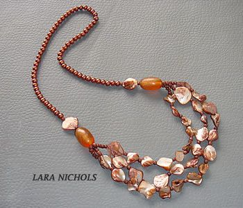 Shell & glass beads necklace - Lina Roseli