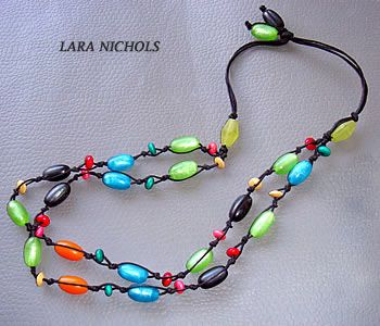 Resin & Wood necklace - Lina Roseli