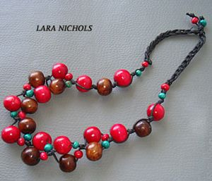 Saga red bead necklace