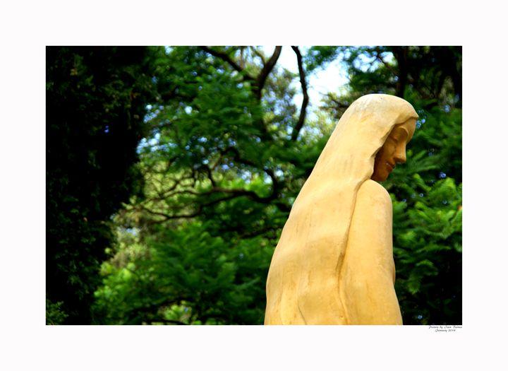 Memorial Statues - Aldinga Photos Gallery