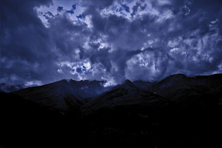 A purple storm - Léo Briere