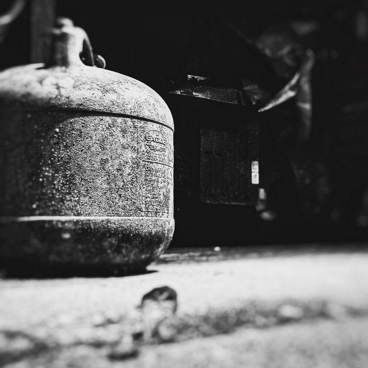 Garage Randomness - Lithium Girl Photography