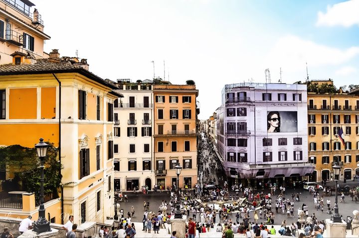 BUSY SPANISH STEPS - Lady Marie