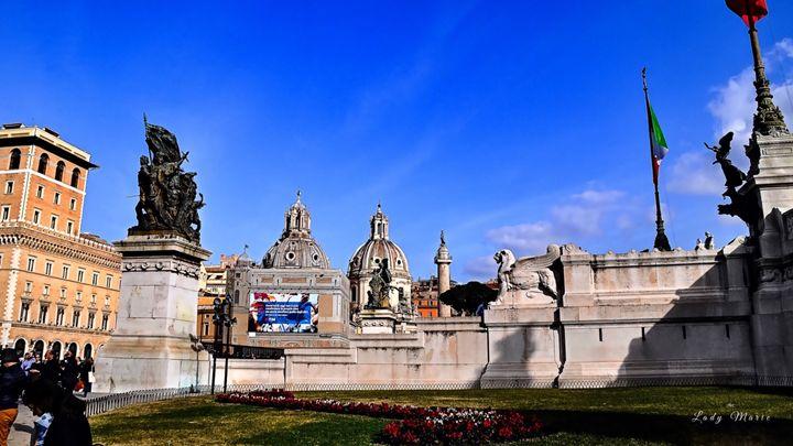 ROMAN MONUMENTS - Lady Marie