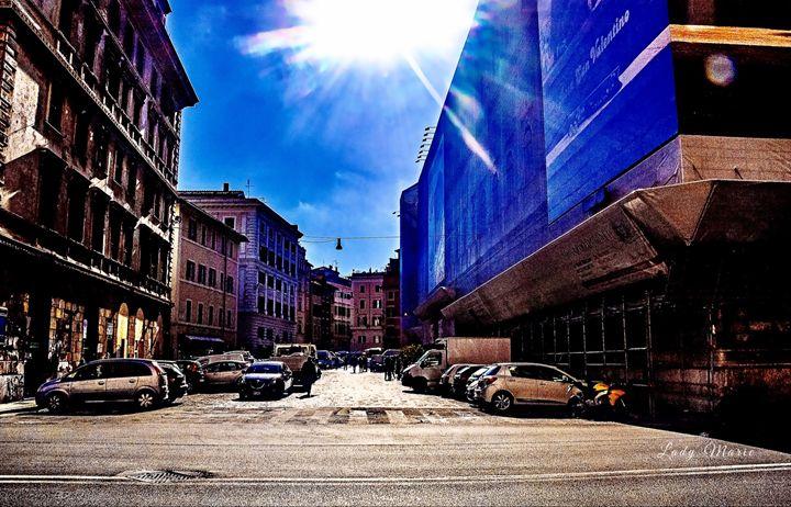 ROMAN STREETS - Lady Marie