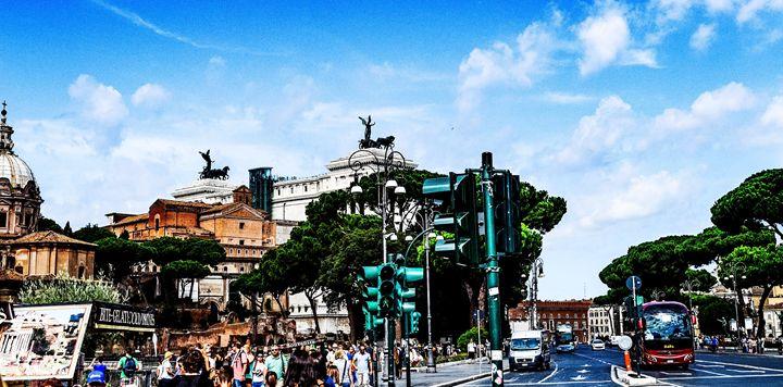 SUNDAY STROLL THROUGH ROME - Lady Marie