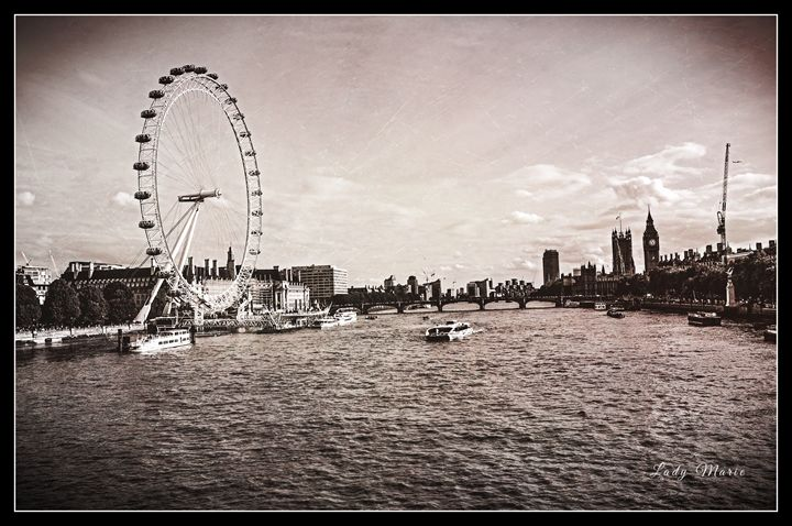 LONDON ON THE THAMES - Lady Marie