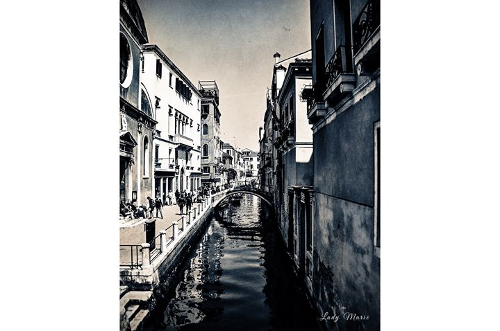 THE CANAL - Lady Marie