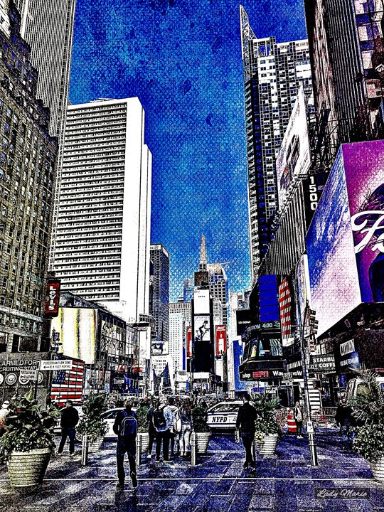 TIMES SQUARE, NEW YORK - Lady Marie